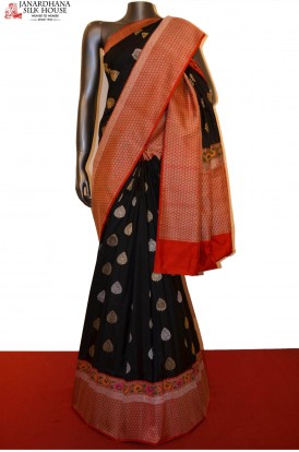 Exquisite Grand Gold & Silver Zari Motif Designer Banarasi Silk Saree