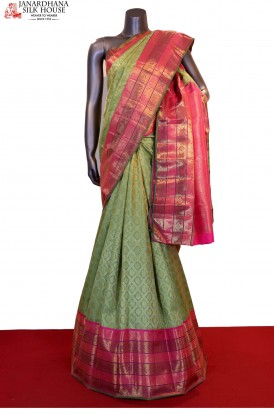 Master Weave Exquisite Zari Brocade Bridal Kanjeevaram Silk Saree