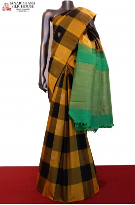 Traditional Checks Zari Butta & Contrast Kanjeevaram Silk Saree