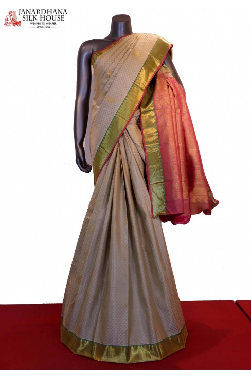 Classic & Contrast Wedding Handloom Kanjeevaram Silk Saree