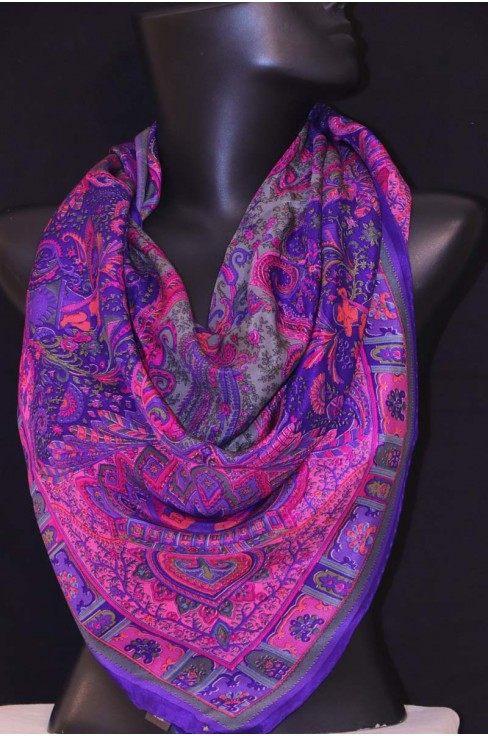 Exclusive Printed Pure Silk Cr..