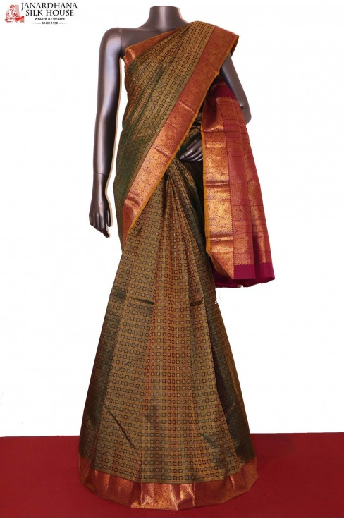 AG206140-Grand Zari Checks Zari Butta Wedding Kanjeevaram Silk Saree