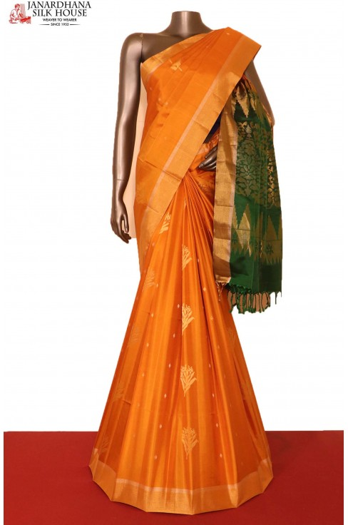 AG207144-Designer & Exclusive Handloom Pure Soft Silk Saree