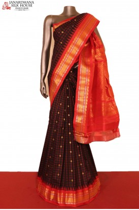 Grand & Traditional Checks Butta Handloom Pure Gadwal Silk Saree
