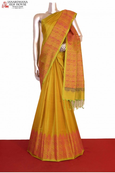 Thread Weave Soft Silk Saree..