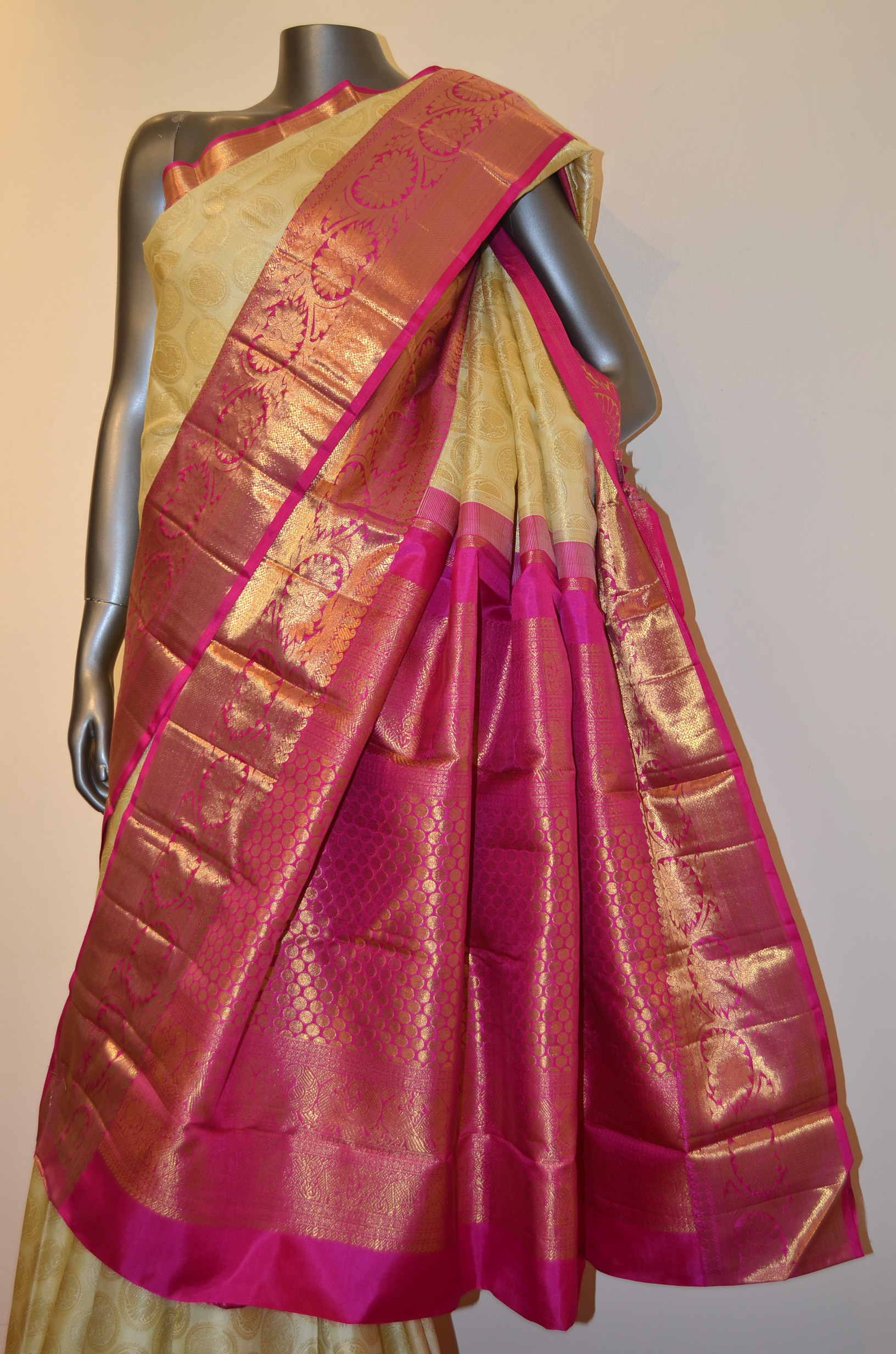 Traditional & Classic Handloom Wedding Kanjeevaram Silk Saree